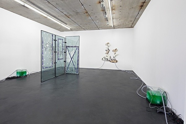 2_DK_exhibition_view_2