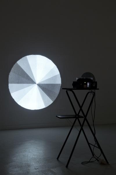 35_ebbe-stub-wittrup-circular-sliding-zones-2012-dias-polariseret-glas_v2