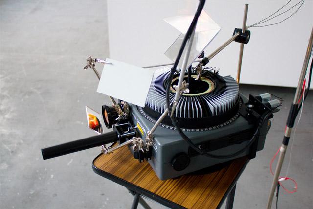 81pov-slide-projector-01