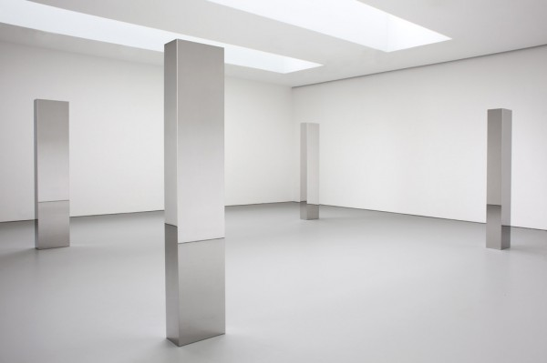 David-Zwirner-John-McCracken-installation-1-200