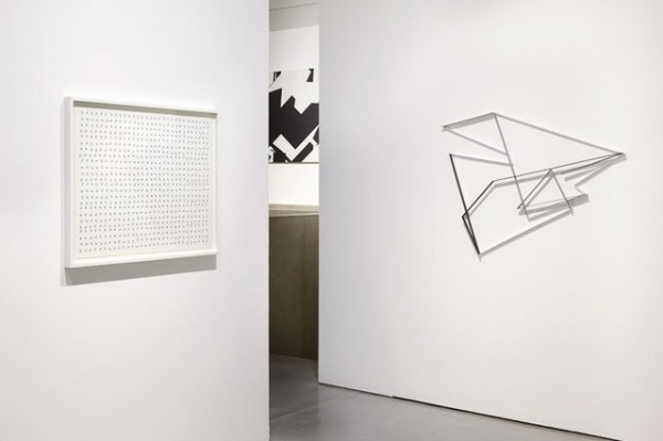 manfred-mohr-one-and-zero-installation-view-2
